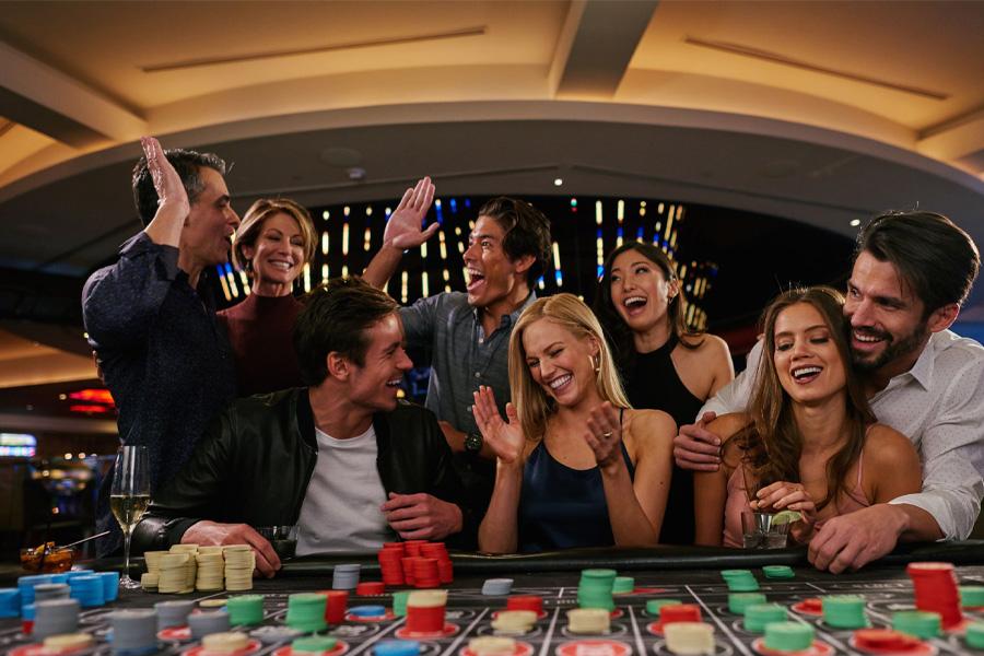 gclub มือถือ สมัคร Gclub มือถือ (Gclub mobile) จาก Casino 1988 มีหลายเกมเช่น บาคาร่า รูเล็ต สล็อต ไพ่เสือมังกร เม็ดถั่ว ไฮโล น้ำเต้าปูปลา